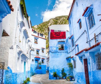 Visiting Chefchaouen with a small group from Spain